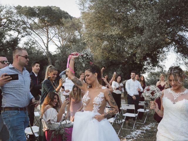 La boda de Cristina y Sonia en Pueblo Sant Andreu Salou, Girona 35