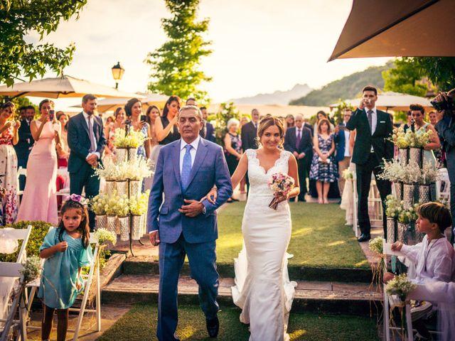 La boda de Javi y Laura en Miraflores De La Sierra, Madrid 21