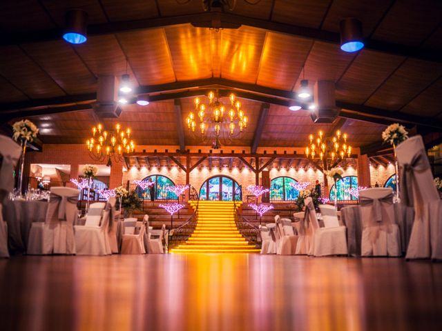 La boda de Javi y Laura en Miraflores De La Sierra, Madrid 51