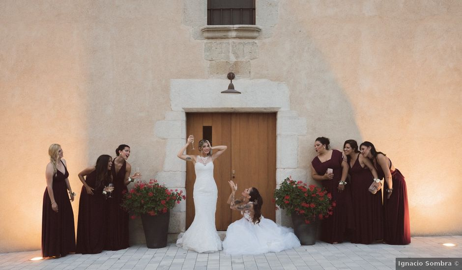 La boda de Cristina y Sonia en Pueblo Sant Andreu Salou, Girona