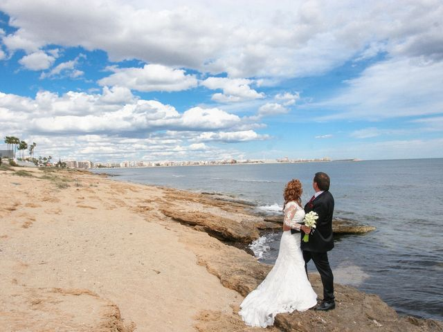 La boda de Maritza y Hanspeter en Torrevieja, Alicante 10