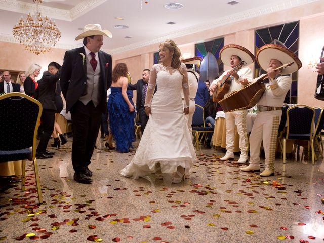 La boda de Maritza y Hanspeter en Torrevieja, Alicante 16
