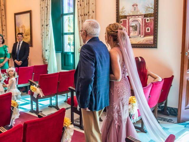 La boda de Santi y Rosabel en Sevilla, Sevilla 9