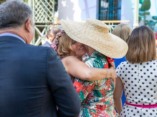La boda de Santi y Rosabel en Sevilla, Sevilla 10
