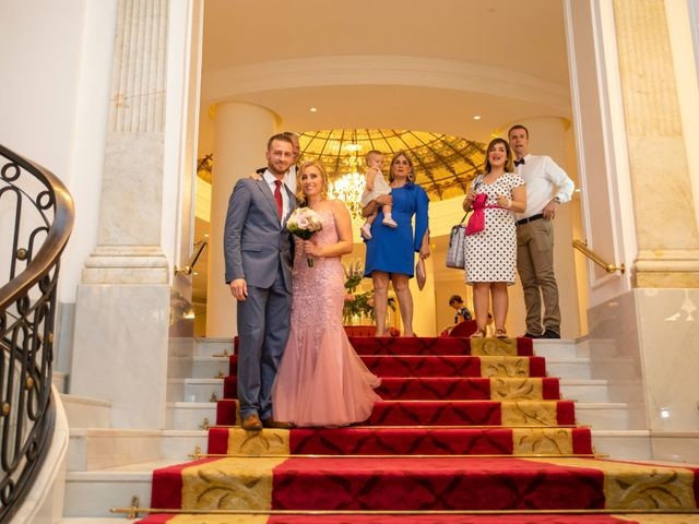 La boda de Santi y Rosabel en Sevilla, Sevilla 21