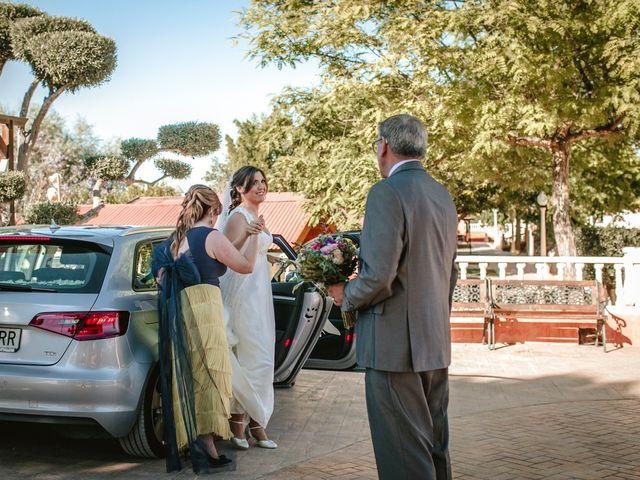La boda de Laura y Alejandro en Elx/elche, Alicante 87