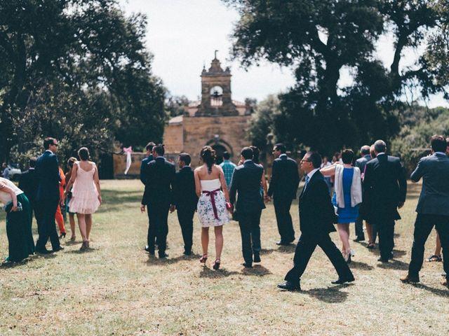 La boda de Xabi y Ianre en Zarraton, La Rioja 13