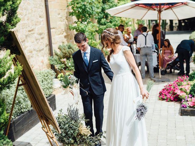 La boda de Xabi y Ianre en Zarraton, La Rioja 23