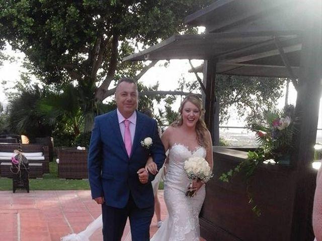 La boda de Jose Antonio y Samantha en Alhaurin El Grande, Málaga 18