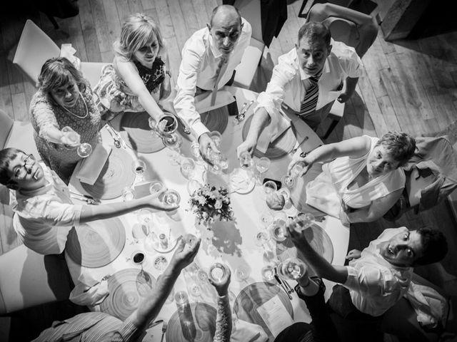 La boda de Andoni y Agueda en Santiso (Santa Maria), A Coruña 28