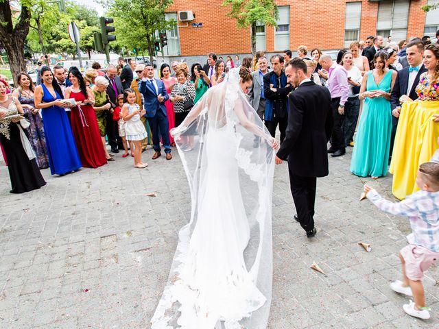 La boda de Raúl y Miriam en Madrid, Madrid 20
