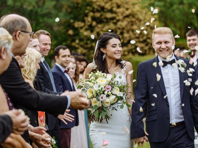 La boda de Thomas y Elena en Premia De Dalt, Barcelona 35