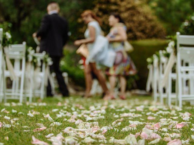 La boda de Thomas y Elena en Premia De Dalt, Barcelona 37