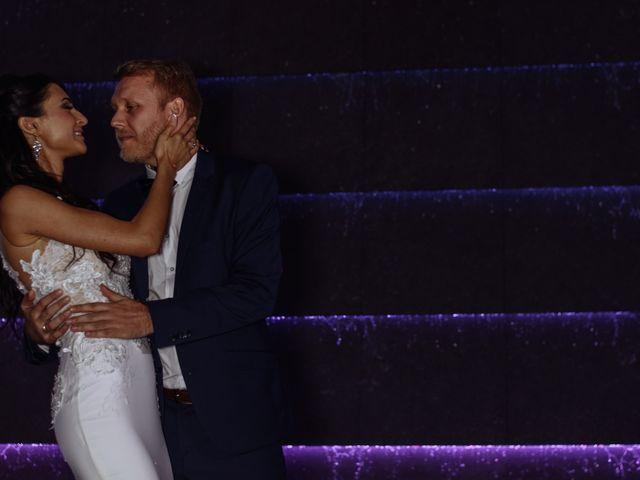 La boda de Thomas y Elena en Premia De Dalt, Barcelona 54