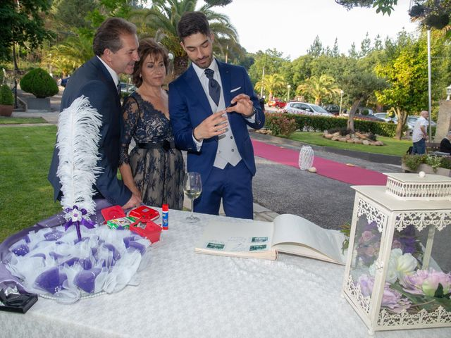 La boda de Kevin y Diana en Xubin, A Coruña 65