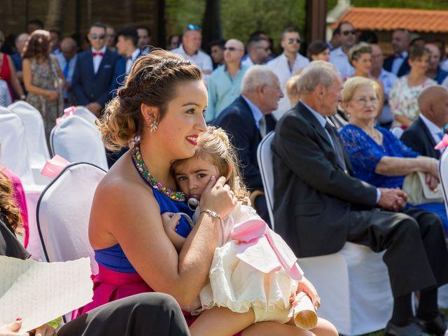 La boda de Alberto y Begoña en Santiago De Compostela, A Coruña 29