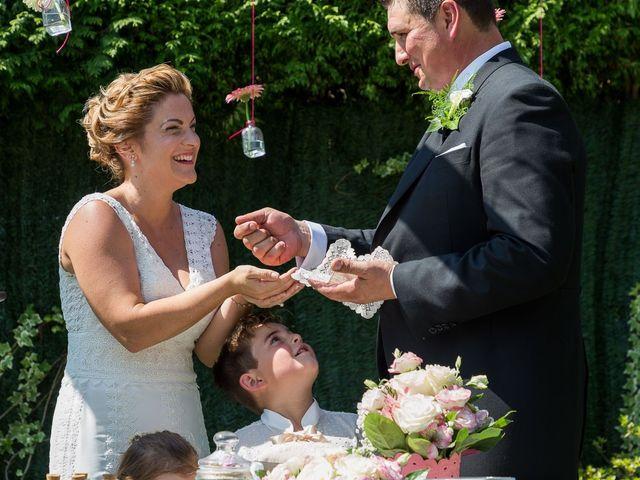 La boda de Alberto y Begoña en Santiago De Compostela, A Coruña 34