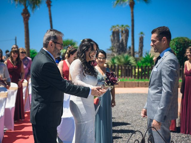 La boda de Ale y Ylenia en Santa Cruz De Tenerife, Santa Cruz de Tenerife 12