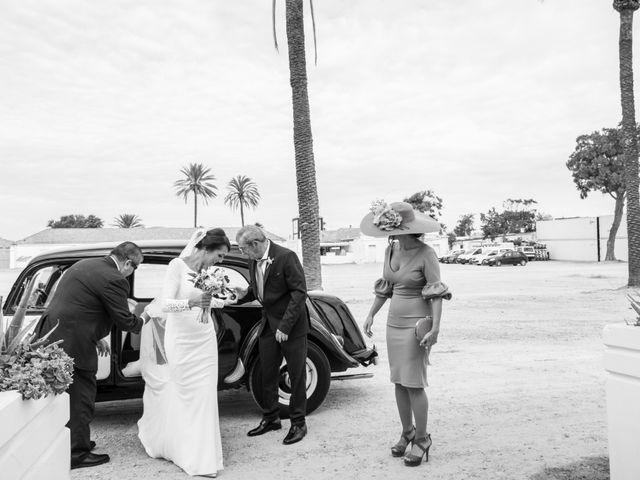 La boda de Elena y Jose Antonio en Chiclana De La Frontera, Cádiz 14