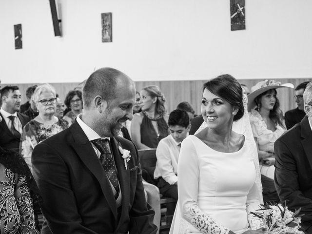 La boda de Elena y Jose Antonio en Chiclana De La Frontera, Cádiz 15