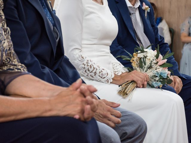 La boda de Elena y Jose Antonio en Chiclana De La Frontera, Cádiz 16