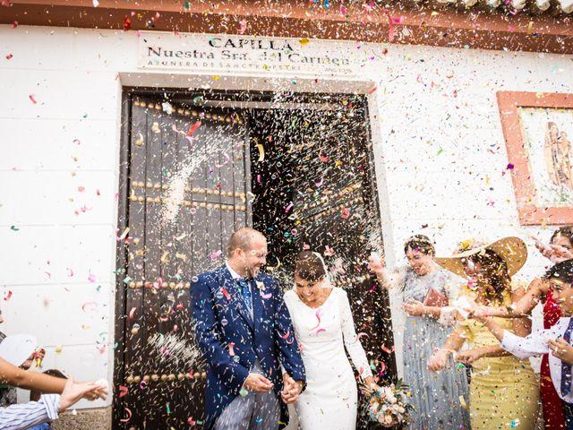 La boda de Elena y Jose Antonio en Chiclana De La Frontera, Cádiz 17