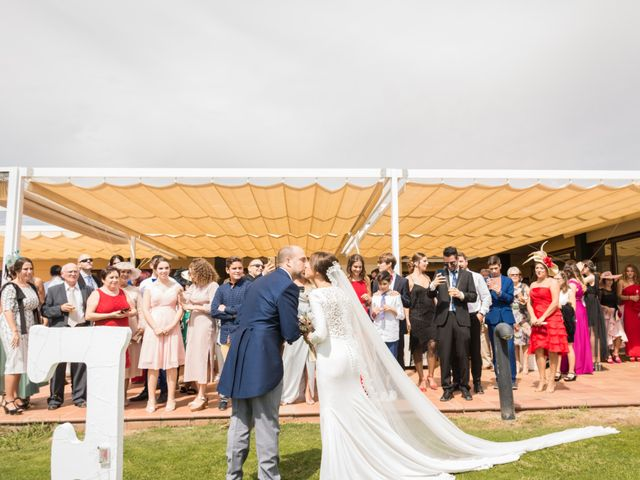 La boda de Elena y Jose Antonio en Chiclana De La Frontera, Cádiz 19