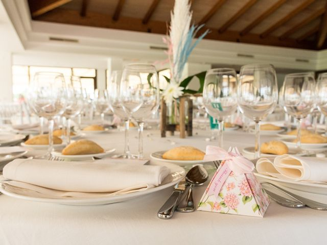 La boda de Elena y Jose Antonio en Chiclana De La Frontera, Cádiz 23