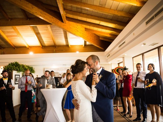 La boda de Elena y Jose Antonio en Chiclana De La Frontera, Cádiz 24