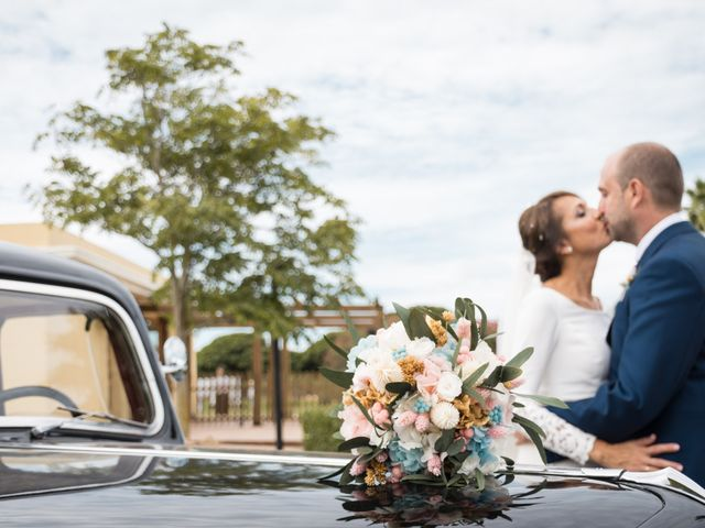 La boda de Elena y Jose Antonio en Chiclana De La Frontera, Cádiz 30