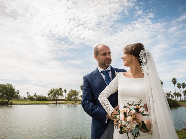 La boda de Elena y Jose Antonio en Chiclana De La Frontera, Cádiz 32