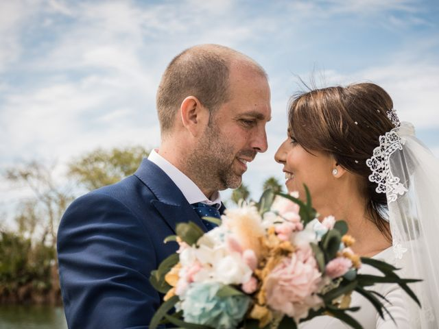 La boda de Elena y Jose Antonio en Chiclana De La Frontera, Cádiz 33
