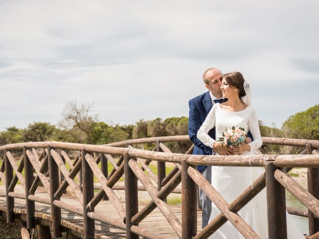 La boda de Elena y Jose Antonio en Chiclana De La Frontera, Cádiz 36