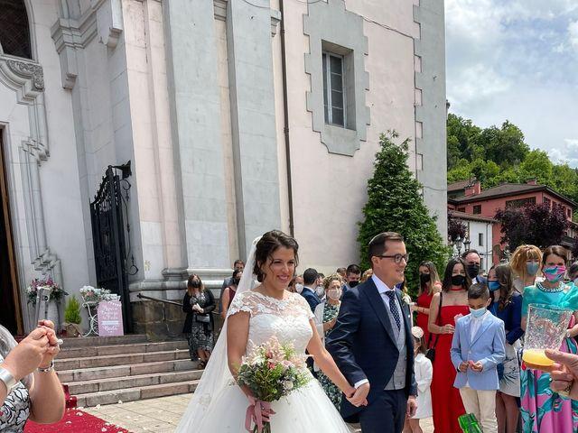 La boda de Dario y Melani en Oviedo, Asturias 12
