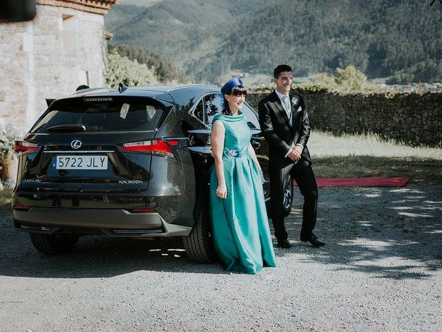 La boda de Pelayo y Jennifer en San Cucao, Asturias 25