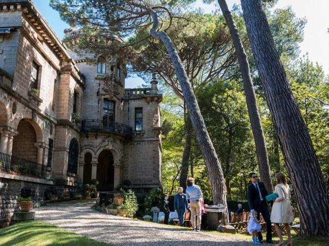 La boda de Mike y Andrea en Las Arenas, Vizcaya 30