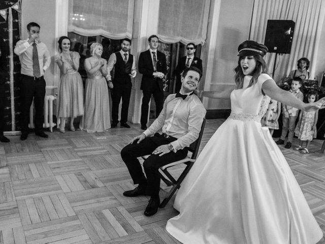 La boda de Mike y Andrea en Las Arenas, Vizcaya 69