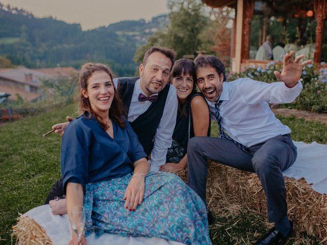 La boda de Iban y Silvia en Zeanuri, Vizcaya 72