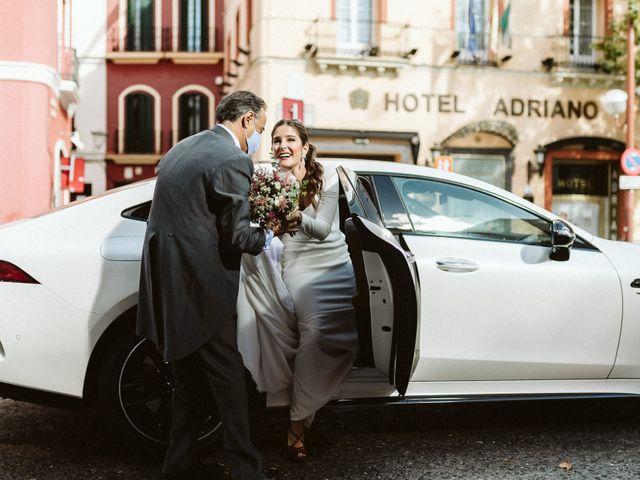 La boda de Leandro y Alcira en Sevilla, Sevilla 35