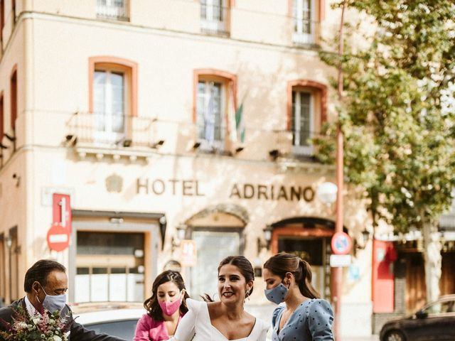 La boda de Leandro y Alcira en Sevilla, Sevilla 36