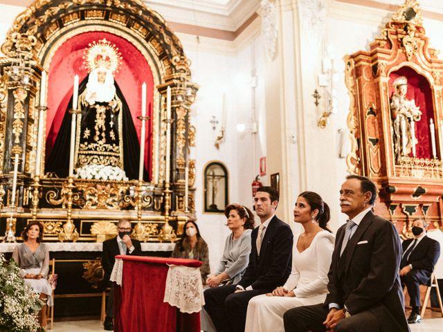 La boda de Leandro y Alcira en Sevilla, Sevilla 40