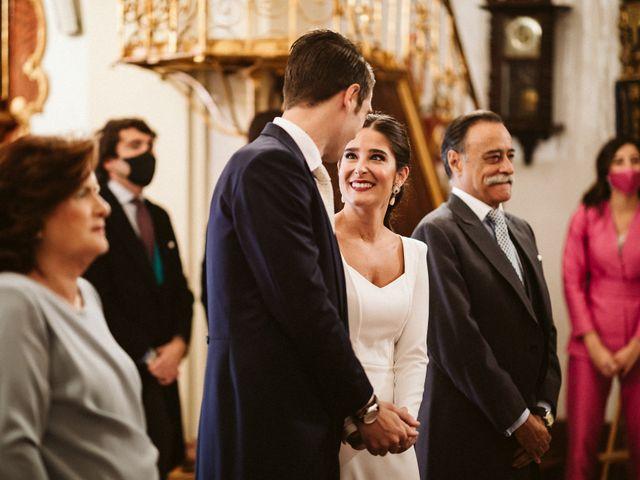 La boda de Leandro y Alcira en Sevilla, Sevilla 47