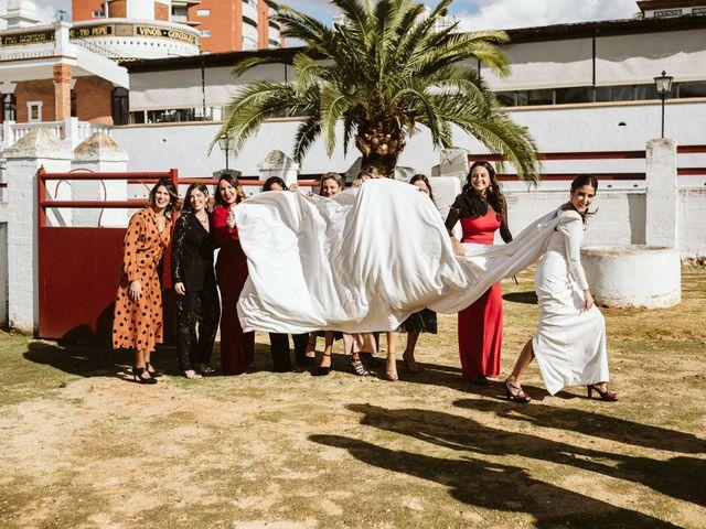La boda de Leandro y Alcira en Sevilla, Sevilla 80
