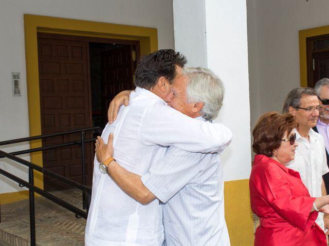 La boda de Raul y Lorena en Coria Del Rio, Sevilla 3