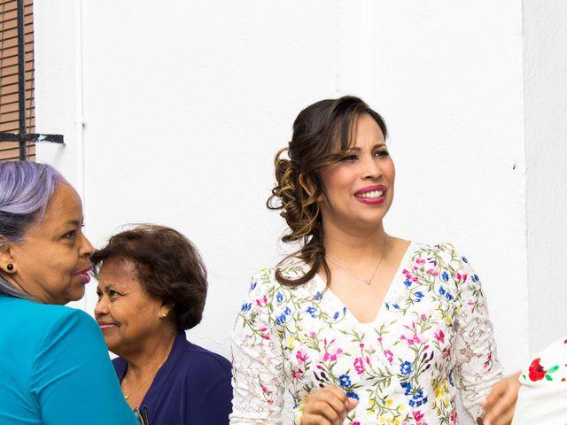 La boda de Raul y Lorena en Coria Del Rio, Sevilla 5