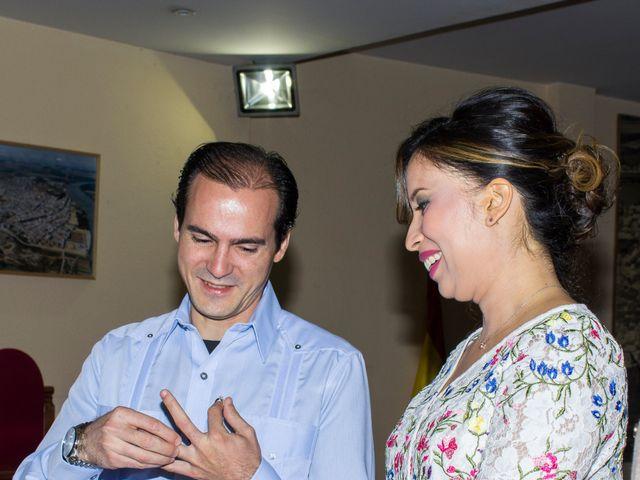 La boda de Raul y Lorena en Coria Del Rio, Sevilla 15