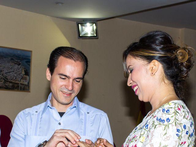La boda de Raul y Lorena en Coria Del Rio, Sevilla 16