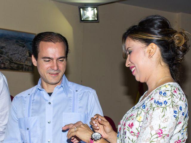 La boda de Raul y Lorena en Coria Del Rio, Sevilla 17