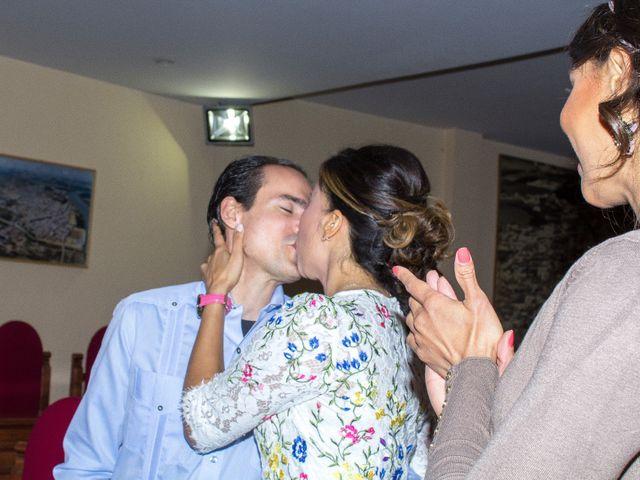La boda de Raul y Lorena en Coria Del Rio, Sevilla 18