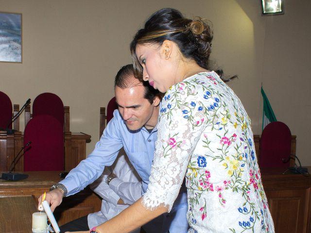 La boda de Raul y Lorena en Coria Del Rio, Sevilla 21